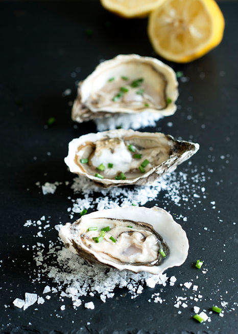 Event Canape: Oysters on slate