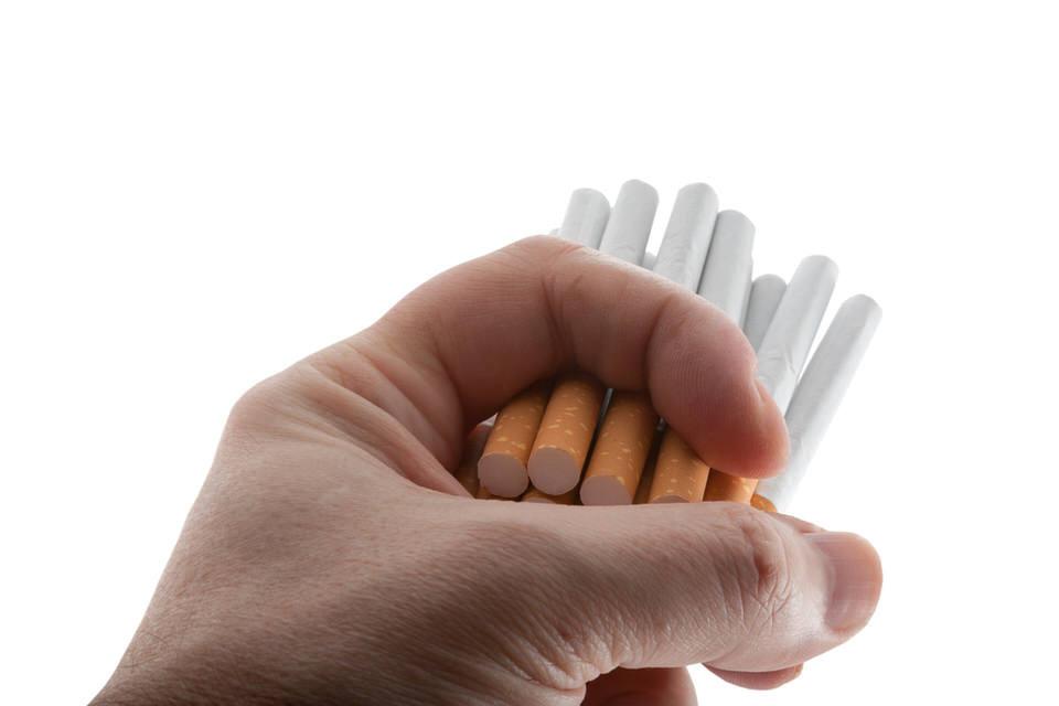 誰とも話さない孤独はタバコ1日15本並みの害です。