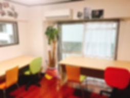 教室風景|福岡市中央区薬院の大学受験専門塾「大学合格サポート塾マナビバ福岡」。大学合格への勉強面からココロの面までをトータルサポートします。
