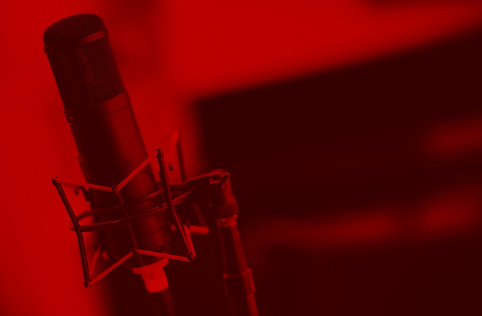 Tube%2520Microphone%2520in%2520Studio_ed
