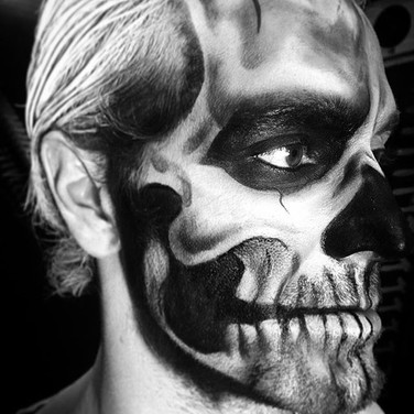 Half Skull Face Blk/wht