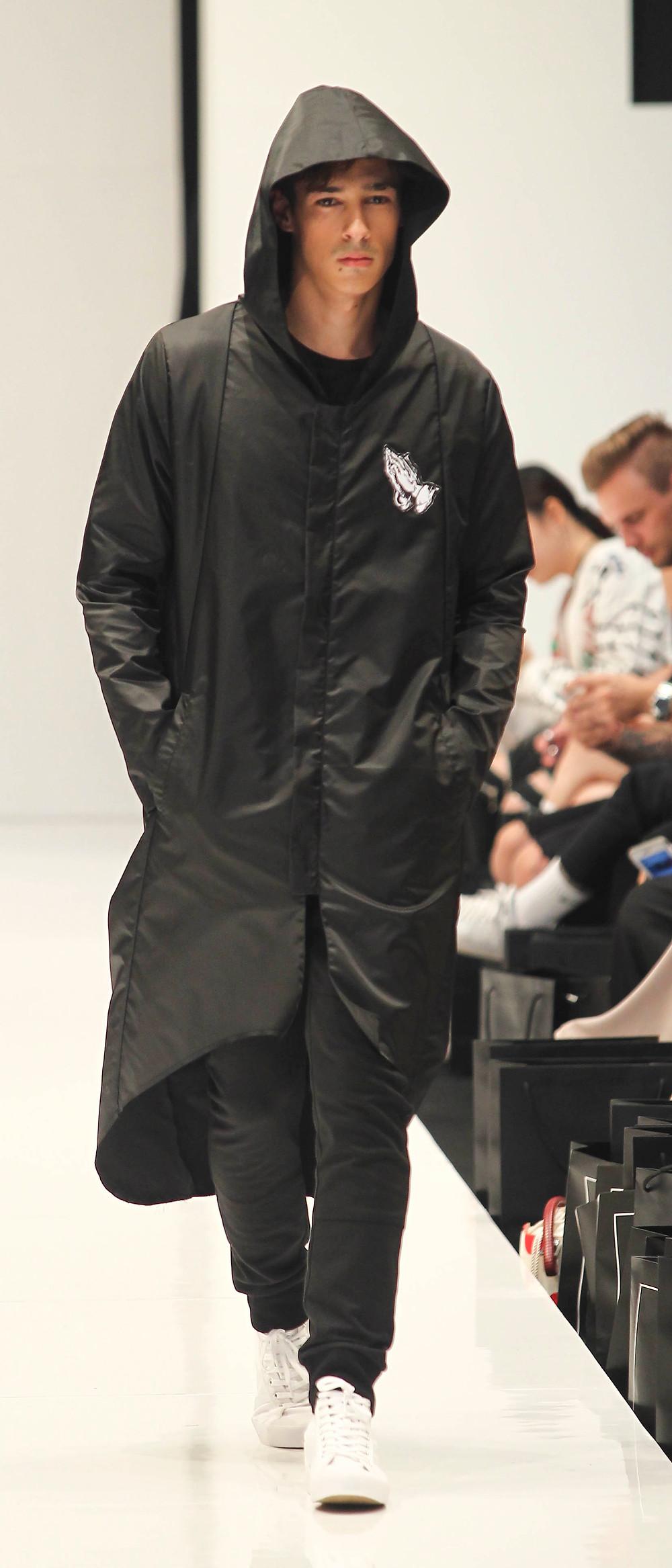 Maatin Shakir x Nazifi Nasri KLFWRTW2016 : KL Fashion Week 2016