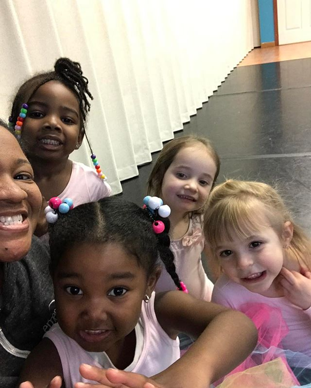 Just because we all love selfies 😍. Our Totally Tots class have so much fun with  Ms. Tania.jpg