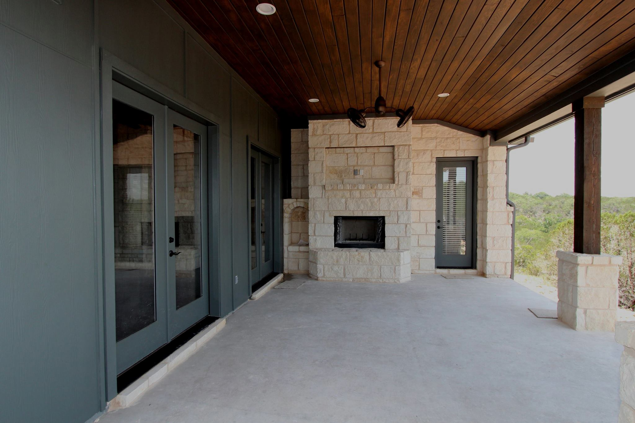wimberley outdoor fireplace -- 280