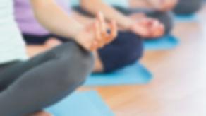 Clases de yoga en grupo