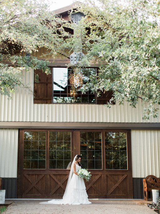 MRS. ALEX ELLIOTT | CLASSIC OAKS RANCH BRIDAL SESSION