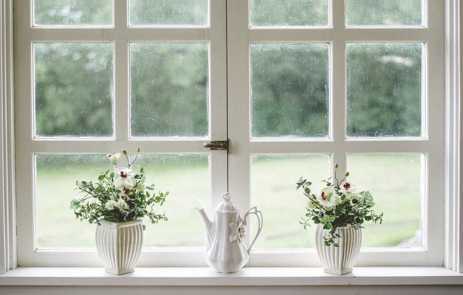 10 warning signs that it's time to replace your windows in 2021