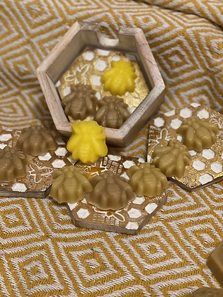 100% Beeswax Bee Moulds - 15g
