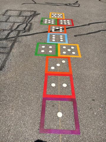 domino hopscotch