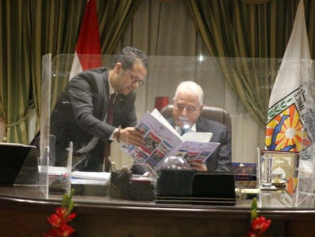 Le gouverneur du Sud-Sinaï rencontre le directeur Mazen Al-Gharabawi pour discuter des détails