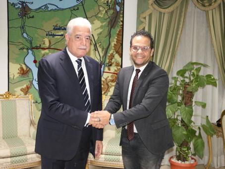 محافظ جنوب سيناء يلتقي مازن الغرباوي لمناقشة تفاصيل الدورة السادسة لمهرجان شرم الشيخ الدولي للمسرح