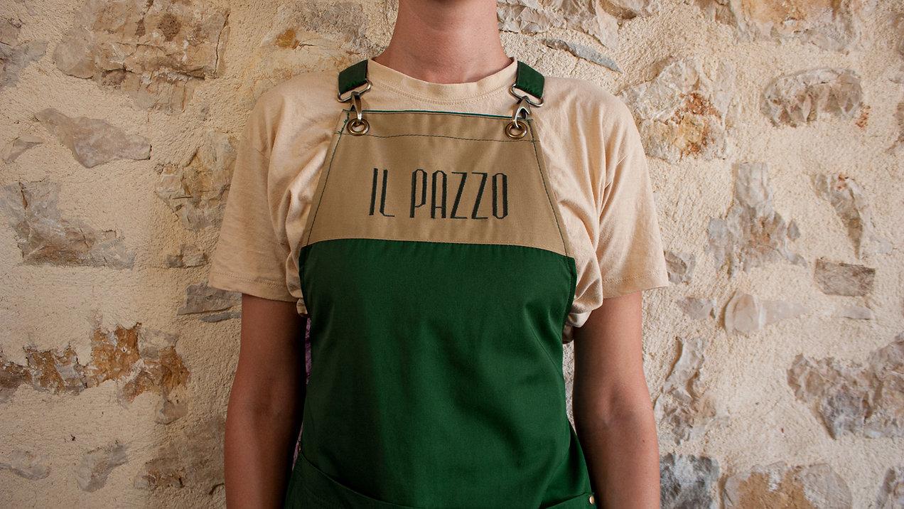 Appron-Waitress-Front-V2.jpg
