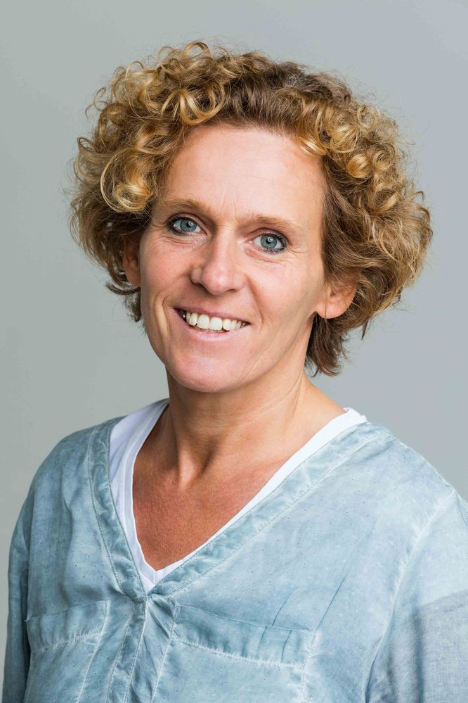 Dr. Natalie Ballhausen