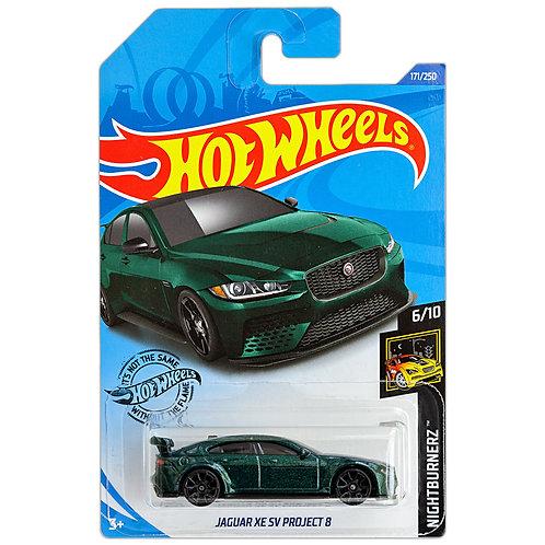 FACTORY FRESH - Jaguar XE SV Project 8 (verde)