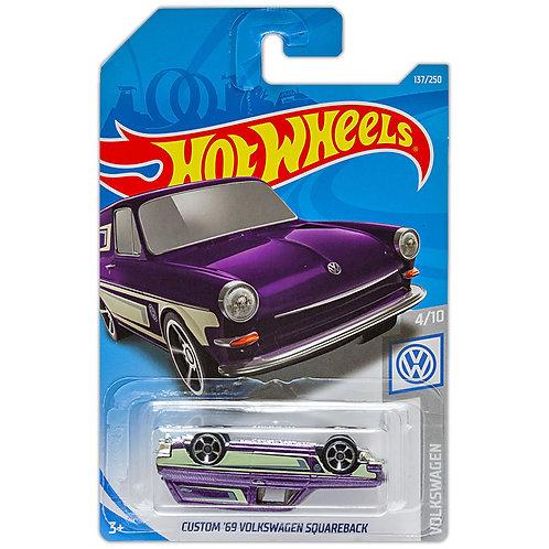 VOLKSWAGEN - Custom '69 Volkswagen Squareback (error de empaque)