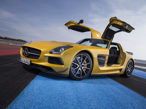 yellow-mercedes-benz-amg-gt-5k-km-5120x2