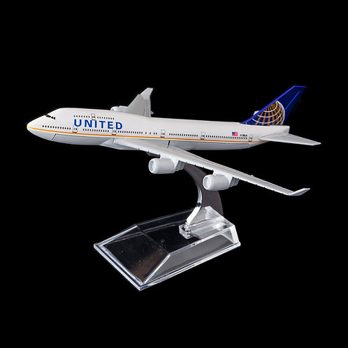 UNITED AIRLINES - Boeing 747-800