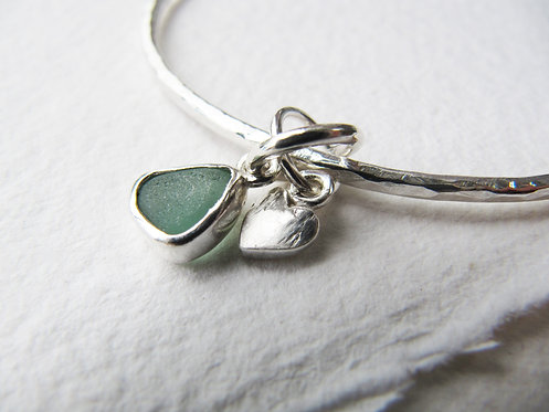 Sea Glass Heart Charm Bangle M