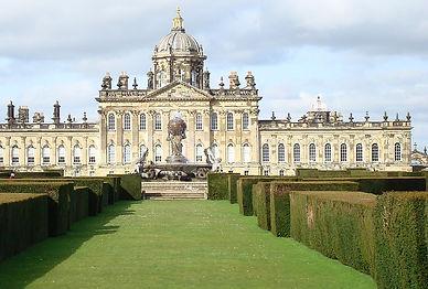 1200px-Castle_Howard_and_garden.jpg
