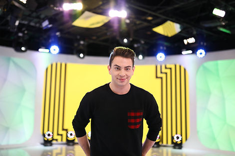Erik Zachary on Set at TRL
