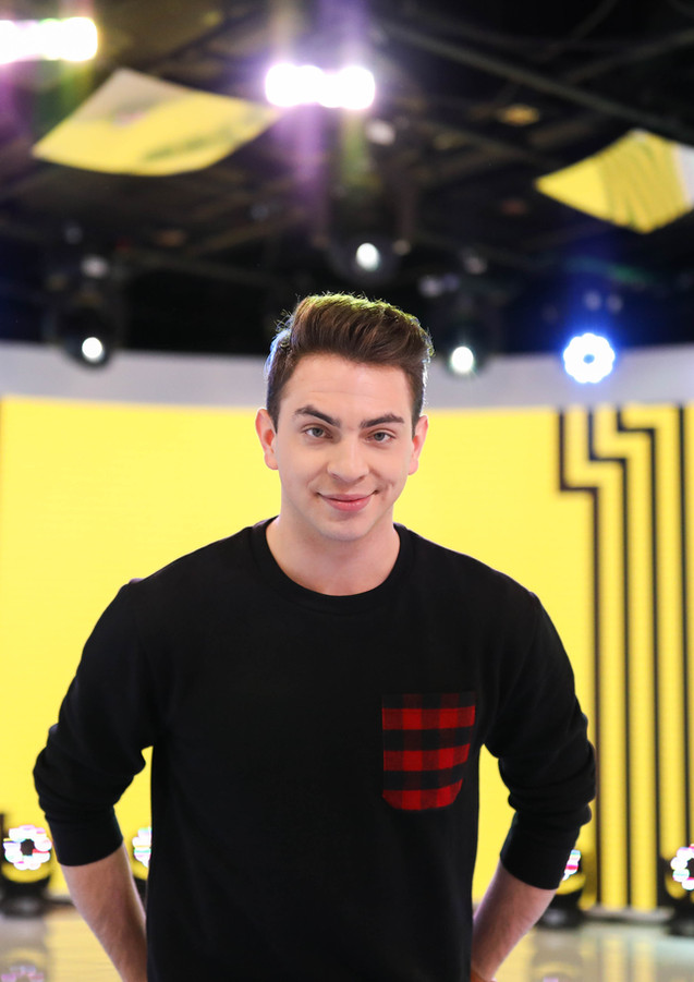 Erik in the MTV/TRL Studio