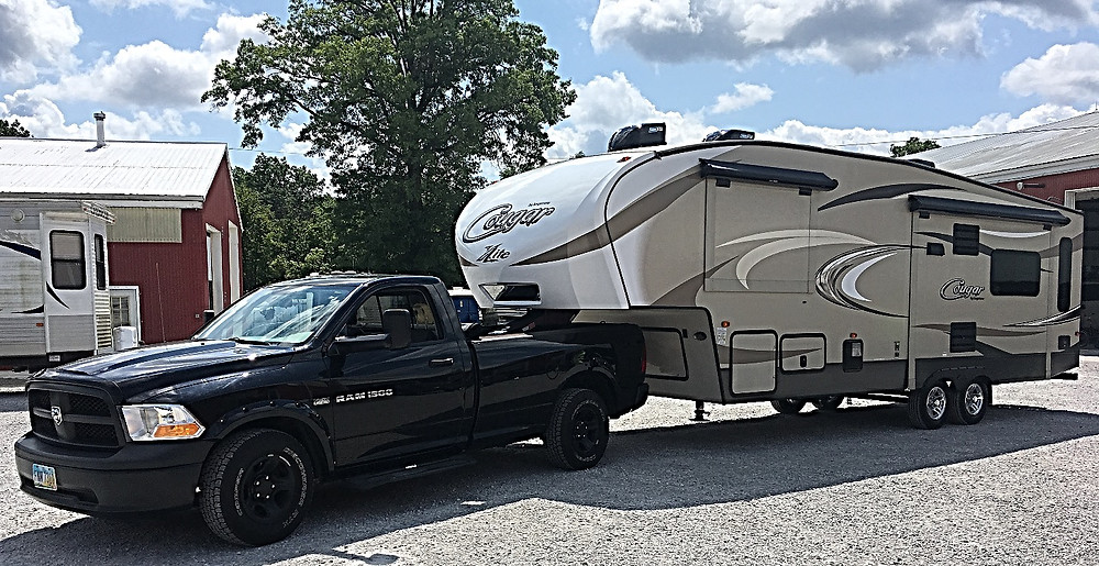 Dodge Ram 1500 and Cougar Fifth Wheel
