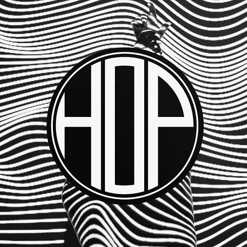 liane-tHHoR5oJyY4-unsplash_HOP-logo2_moc