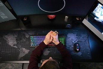 Zippo HeatBank 9s warm gamer esports hands