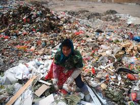Die größte Müllkippe der Welt nimmt keinen Müll mehr an!