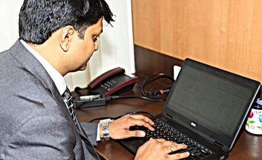 executive-844143_1920.jpg