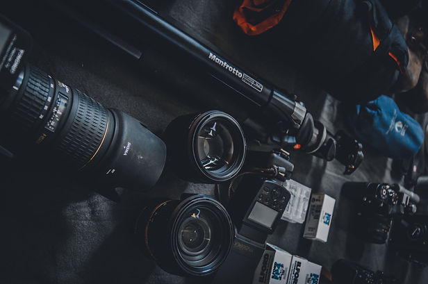 selective-focus-photography-of-dslr-came