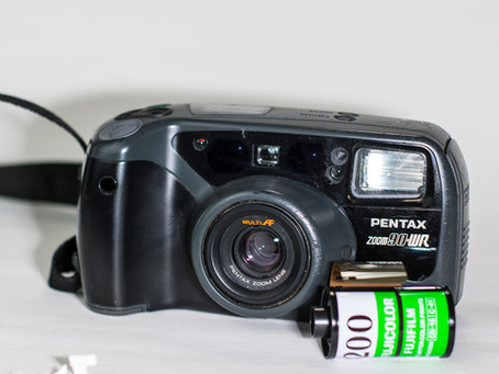Reviewing the Pentax Zoom 90-WR compact film camera.