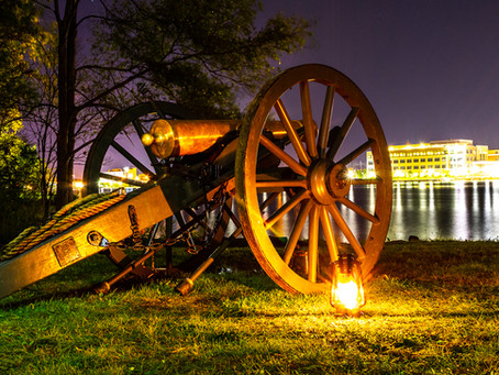 How to photograph night landscapes.