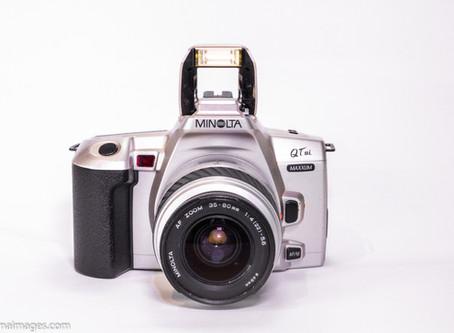 Review of the Minolta Maxxum Qtsi 35mm camera.