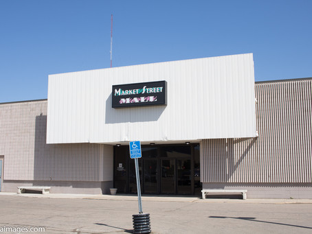 Exploring and photographing the Market Street Mall in Marshall Minnesota.