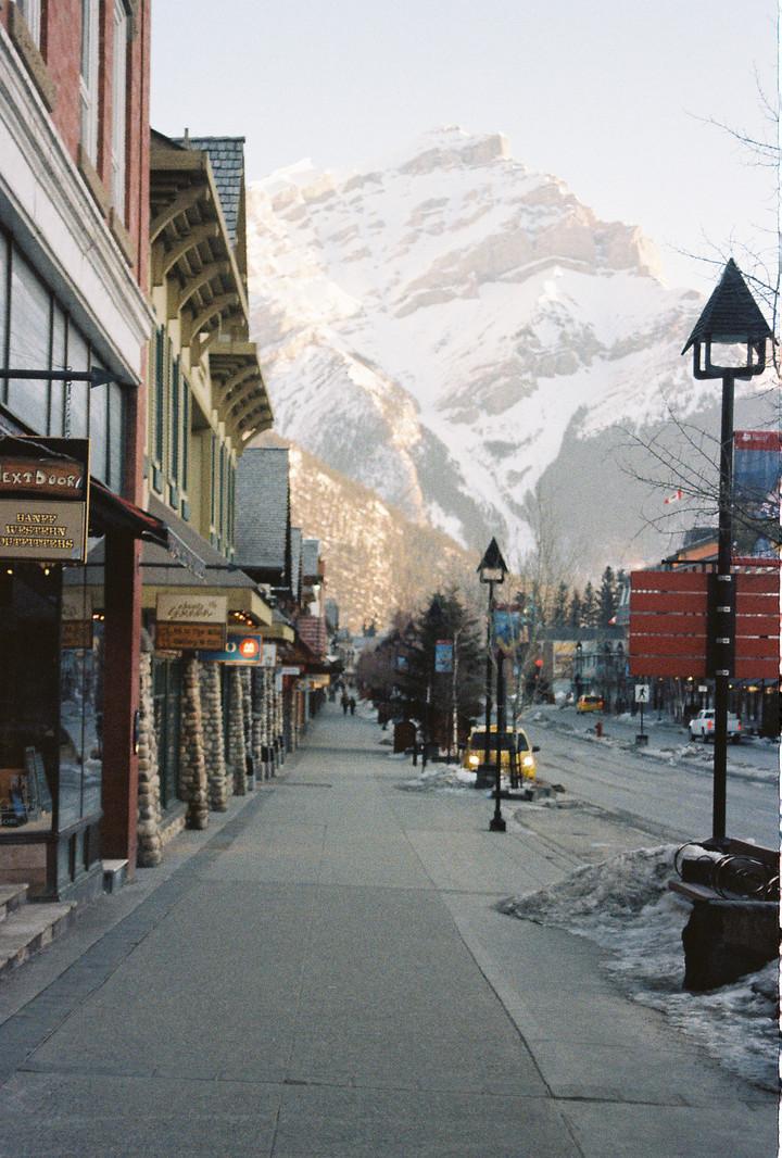 Banff Avenue, Cascade Mtn.