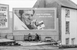 1960 billboard advert for Players cigare