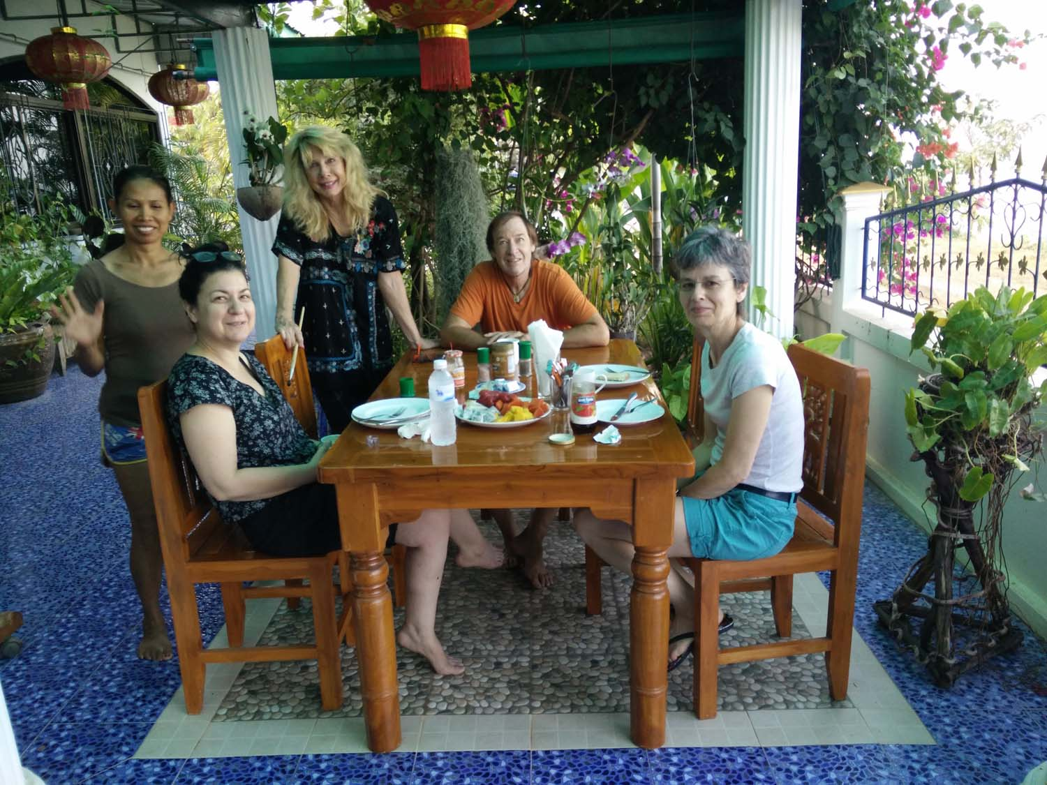 Artist Frances enjoying a painting holiday in Thailand  000