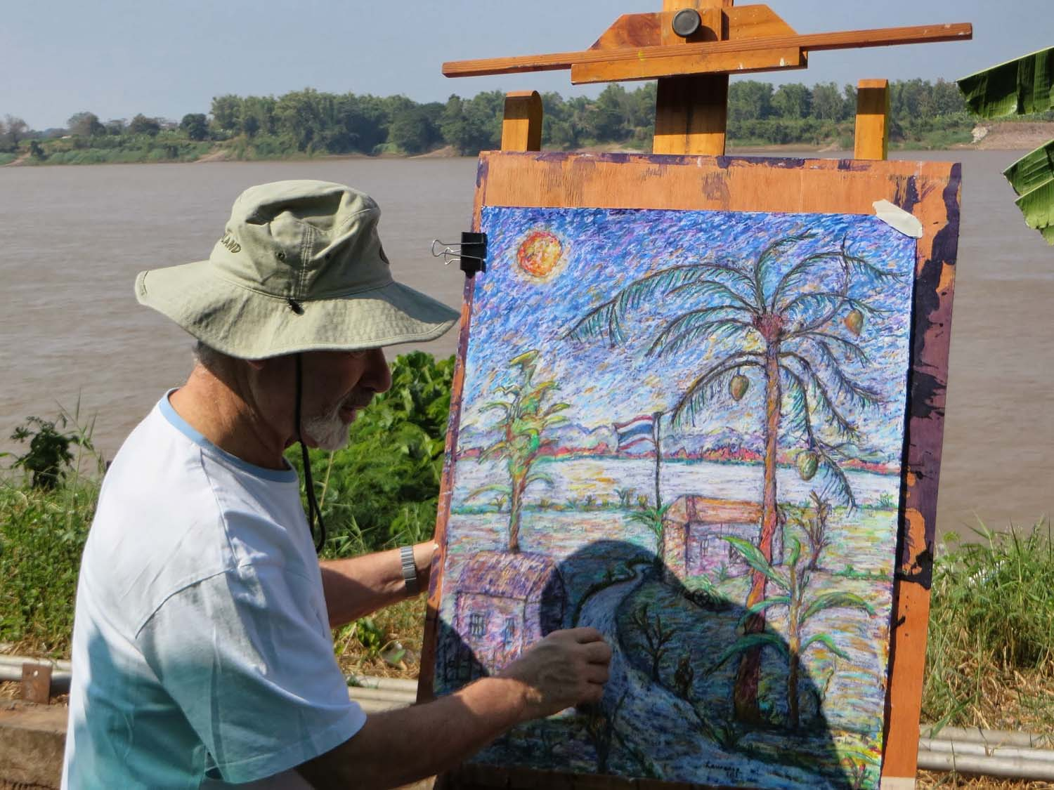 Artist Lawrence enjoying a painting holiday in Thailand  021