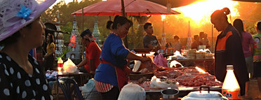 Sunday Temple Market, Ban Pho, Thailand