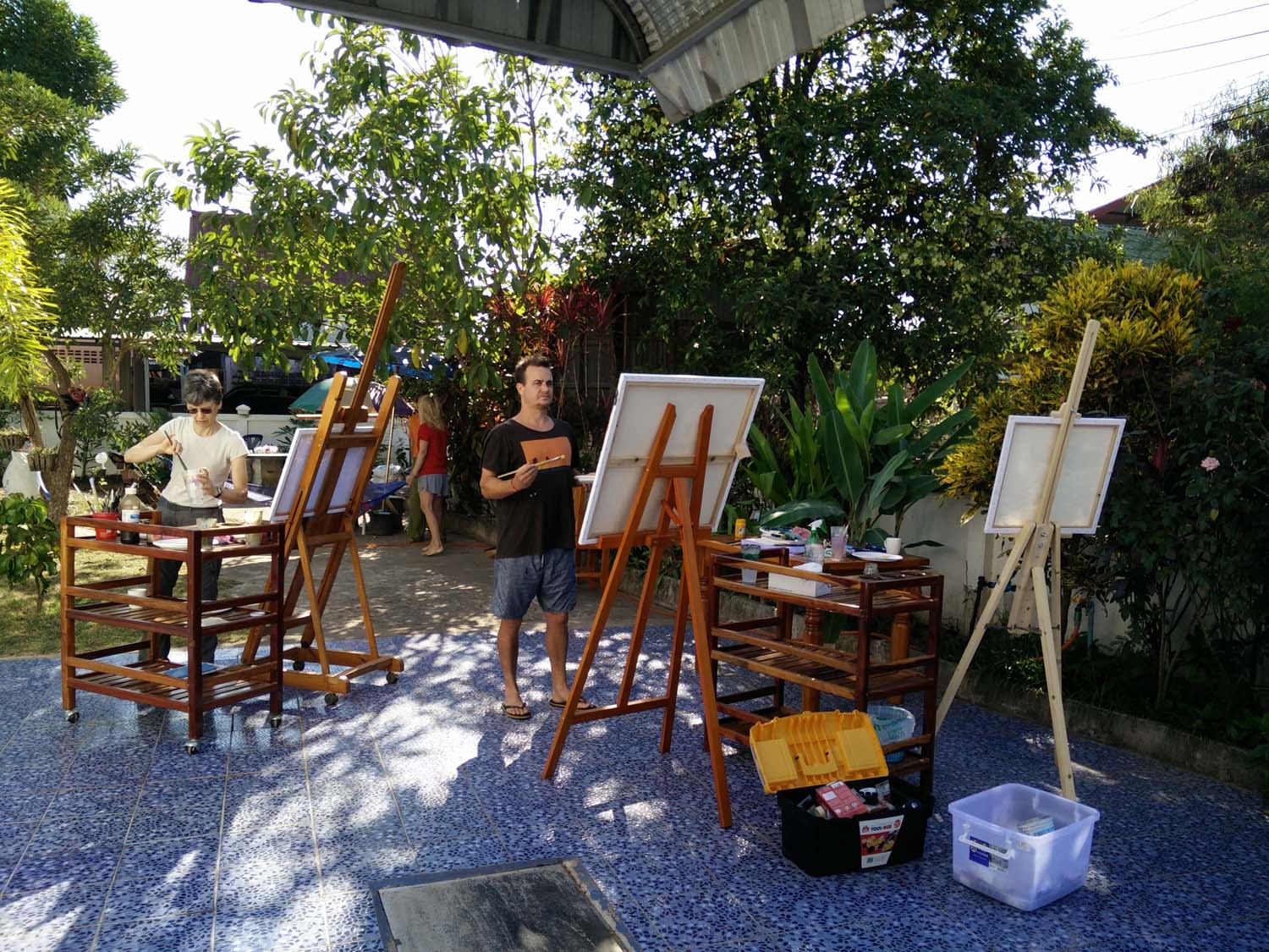 Artist Frances enjoying a painting holiday in Thailand  009