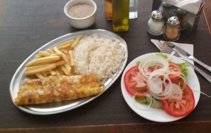 Omelete com Fritas