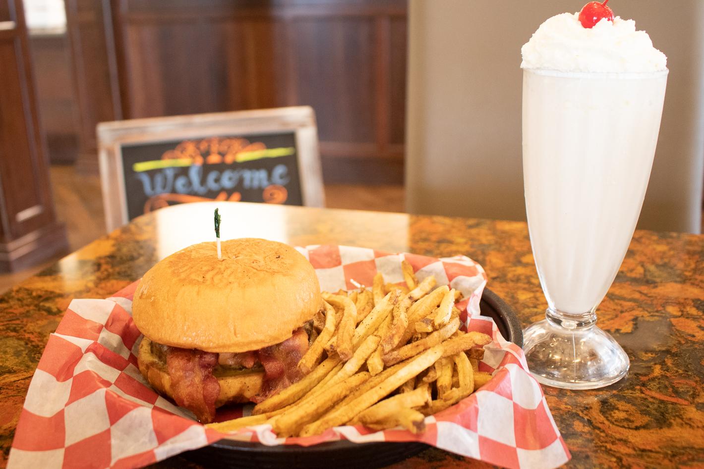 Fountain Burger & Shake-2