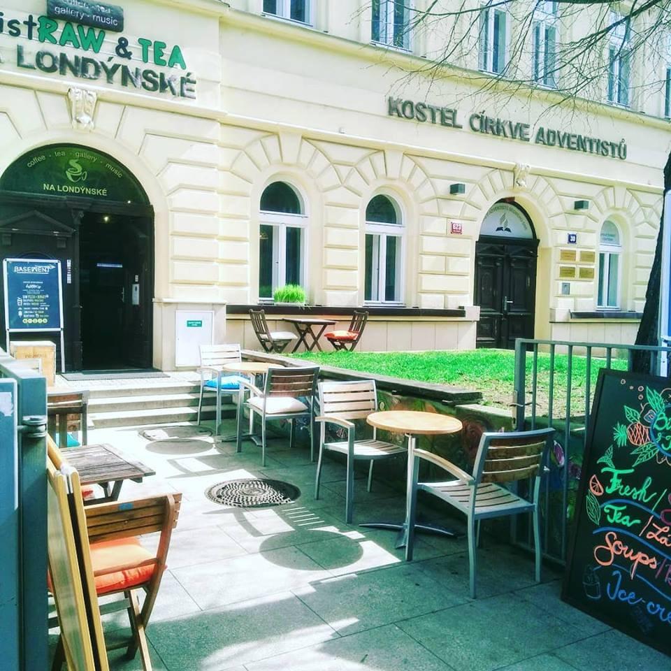 Vegan restaurant   Bistraw &Tea