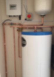 pressurised cylinder _edited.jpg