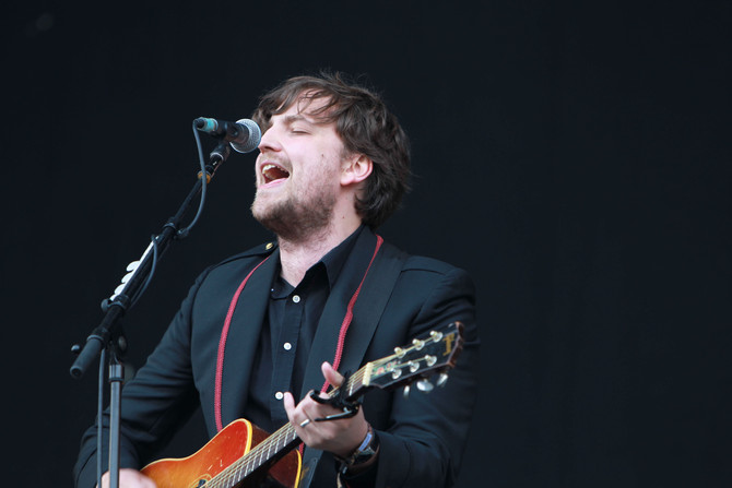James Walsh, the Frontman of Starsailor Release his solo single on Handshake Records