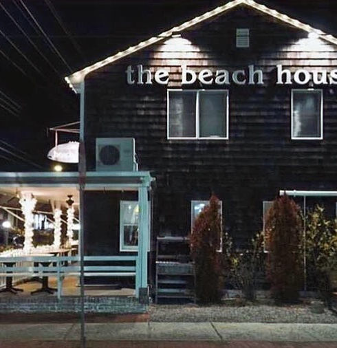 Beach%20house%20night%20time_edited.jpg