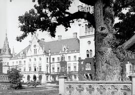 Pałac_Schaffgotschów_w_Kopicach.jpg