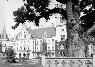 Pałac śląskiego kopciuszka - Joanny Schaffgotsch von Schomberg-Godulla od strony zachodniej.