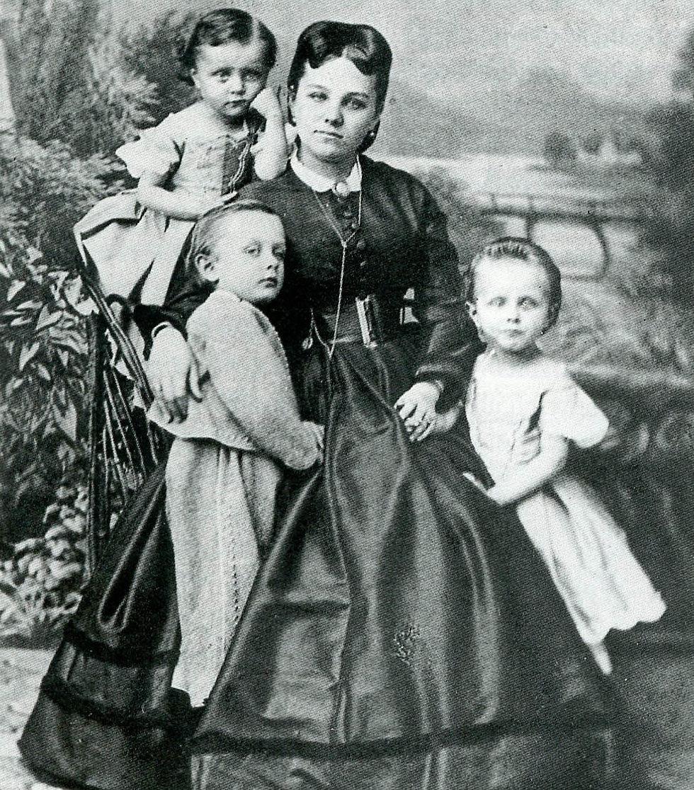 Joanna Schaffgotsch von Schomberg Godulla z dziećmi